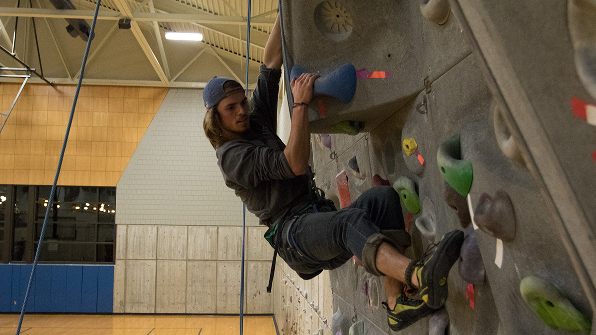 Ready to Rock: Ithaca College students embrace rock climbing