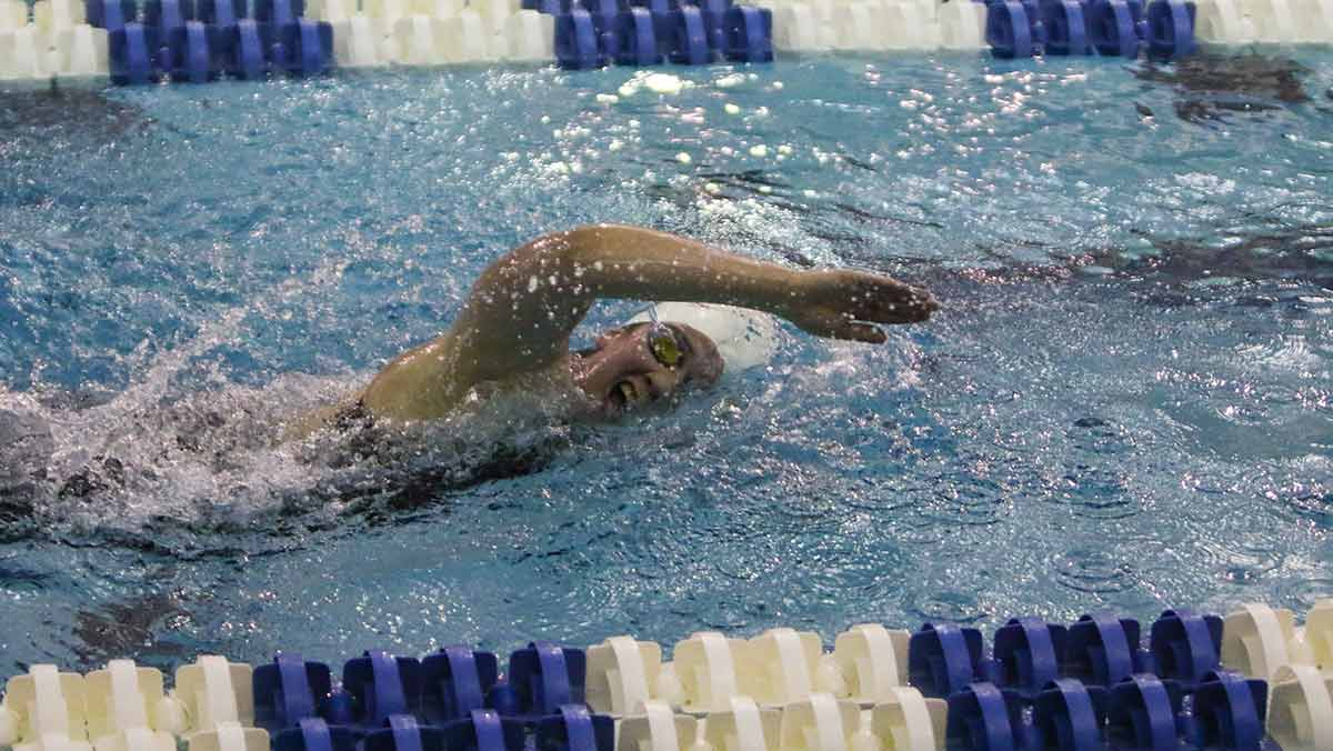 Swimming and diving squads contend in UNYSCSA Championship