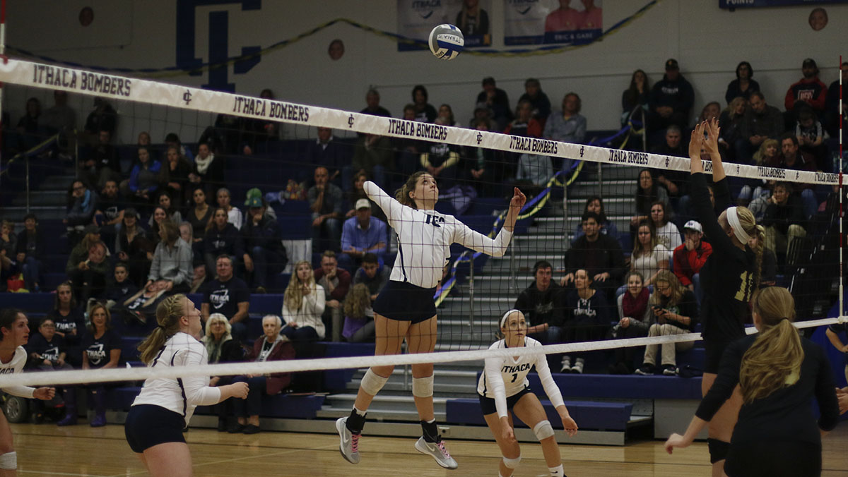 IC volleyball picks up two wins against Utica and Houghton