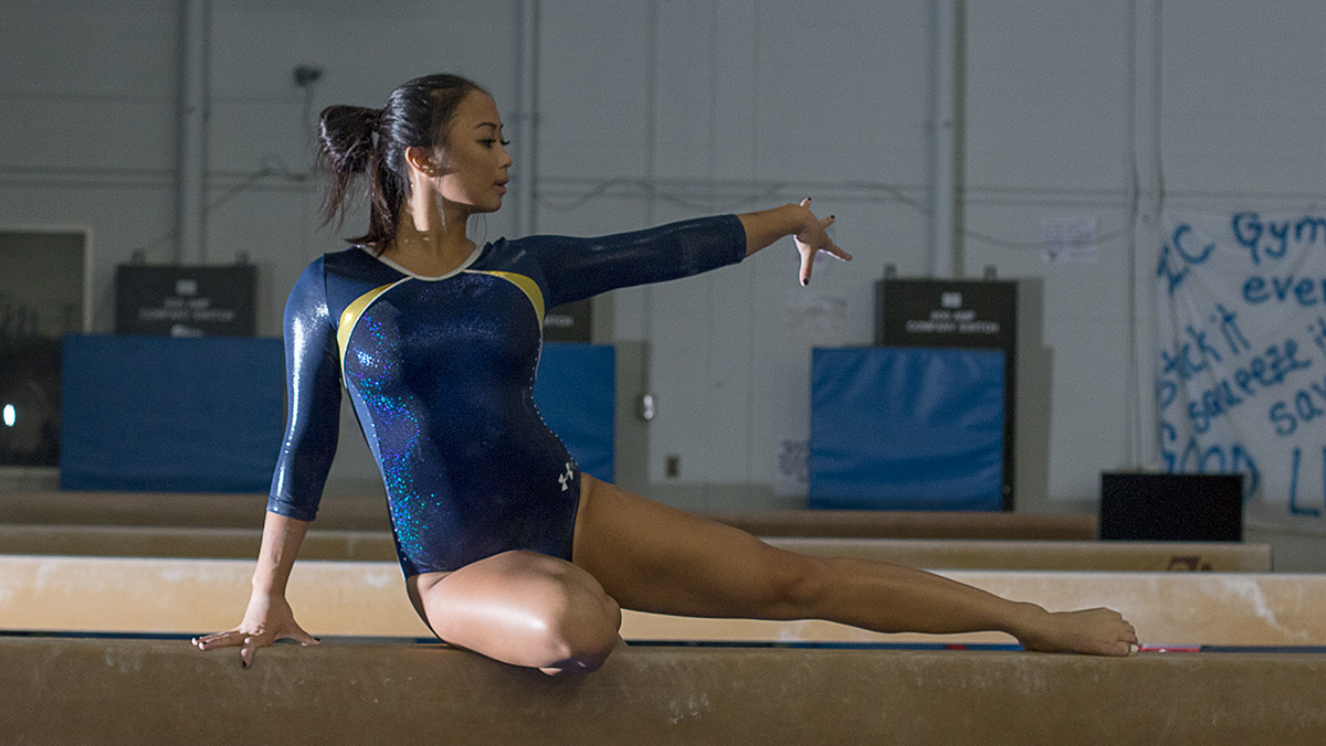 Gymnastics sets bar high following injury-plagued season