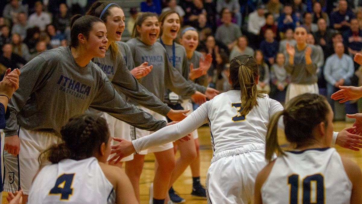 Women's basketball beats SUNY Poly to advance in NCAA tournament