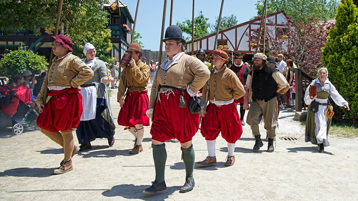 Q&A: History major time travels with Renaissance fairs